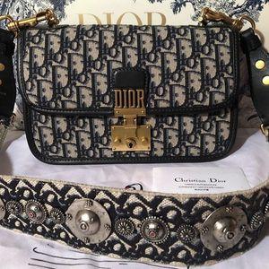 DIOR CROSSBODY BAG for Sale in Atlanta, GA