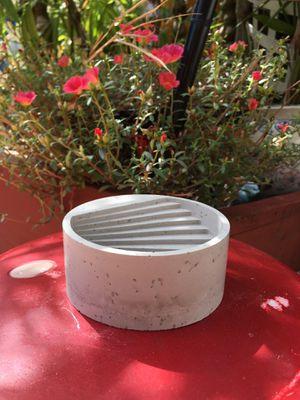 Cement planter for Sale in Miami, FL
