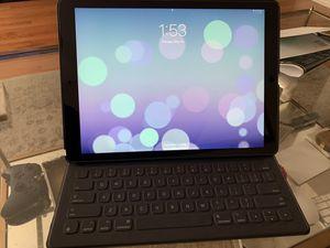 Apple iPad Pro 12.9 inch (2nd gen) 64GB WiFi Only (Smart keyboard & case) for Sale in Philadelphia, PA