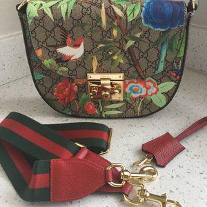 Gucci Tian Shoulder Bag for Sale in Scottsdale, AZ