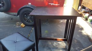 Table and Stools, breakfast nook for Sale in Columbus, OH