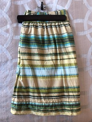 Women's skirt clothes size 4 for Sale in Wood Dale, IL