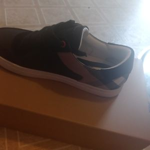 Burberry Low Top Sneaker for Sale in College Park, GA
