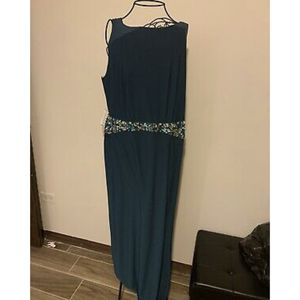 NWT Formal Prom Dress From Windsor Teal 1X for Sale in Chicago Ridge, IL