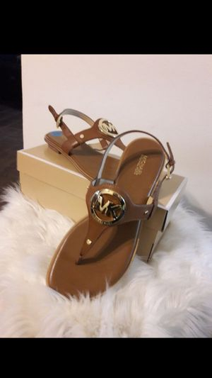 MICHAEL KORS SIZE 10 FOR WOMEN for Sale in Highland, CA