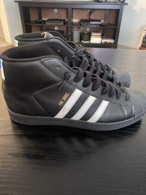 Adidas size 10 $55 obo cash only no trades for Sale in Tacoma, WA