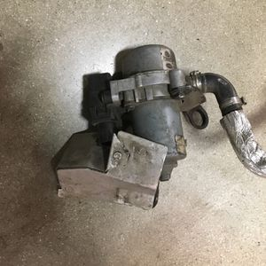 1j0612181b 02-10 Audi/VW Vacuum Pump for Sale in West Hollywood, CA