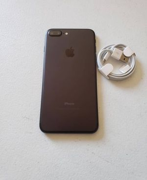iPhone 7 Plus unlocked 128gb for Sale in Arnold, MO