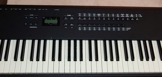 Alesis QS8 Weighted Electronic Keyboard With Case for Sale in Newcastle,  WA
