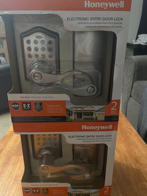 Honeywell entry door locks. Satin nickel for Sale in Grove City, OH