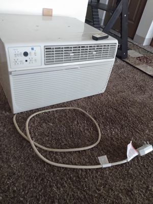 Comfort Aire air conditioner with remote control. for Sale in Kalamazoo, MI