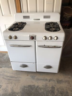 Vintage Magic Chef Stove for Sale in Hurricane, WV