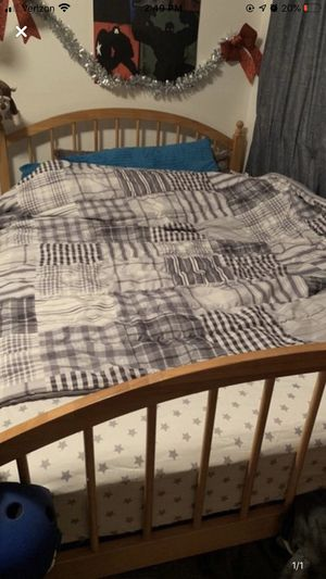 Full sized bed set, includes everything, the full frame and choice of 5 nice mattresses for Sale in Tualatin, OR