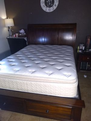 Solid wood Queen only bed frame with 2 drawers. Good conditions. Nothing wrong. (No mattress) for Sale in El Paso, TX