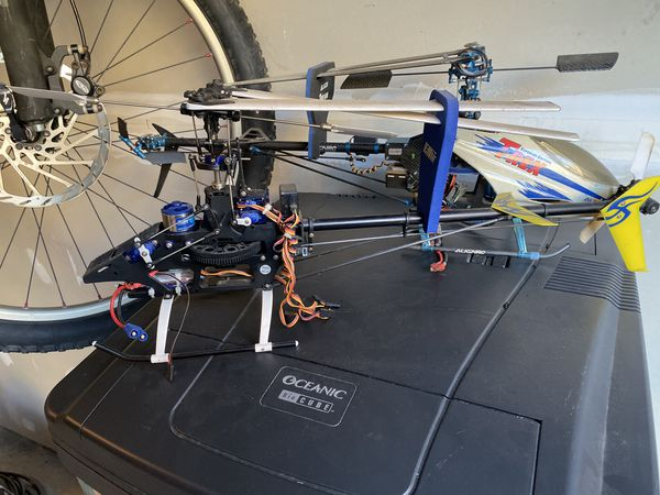 Eflite Blade 400 RC helicopter