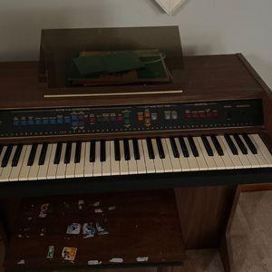 Organ - Free for Sale in Rochester, MI