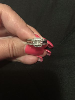 14 k White Gold Wedding Ring for Sale in Orland, CA