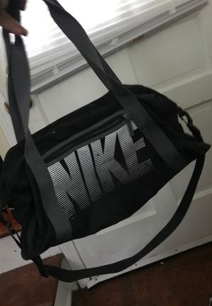Nike duffle bag for Sale in Whitehall, OH