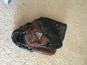 Adidas baseball glove 12.5in for Sale in Columbus, OH