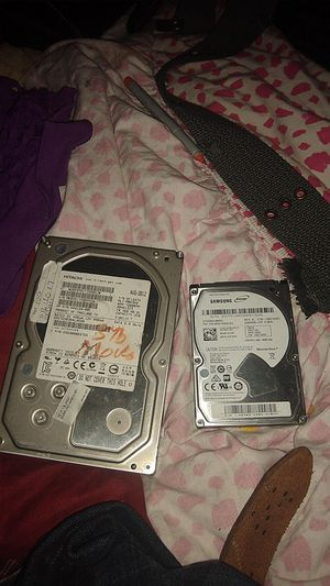 2 hard drives with 2000 movies on them for Sale in Phoenix, AZ