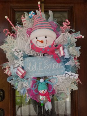 Snowman Let it Snow Christmas wreath for Sale in Houston, TX