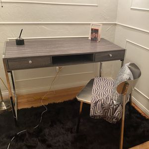 Brand New Desk For Sale for Sale in Beverly Hills, CA