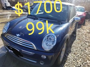 2006 mini cooper 4cyl runs and drives great 5 SPEED MANUAL 99K for Sale in Salem, MA