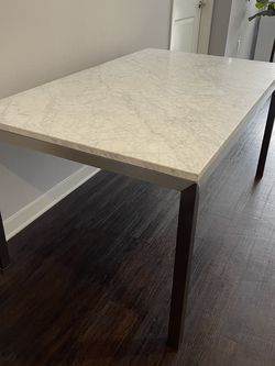 Marble Dining Table for Sale in Culver City,  CA