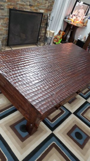 Beautiful solid wood coffee table for Sale in San Bernardino, CA