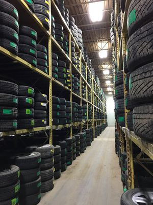TIRES FULL SETS FINANCE/ NO CREDIT NEEDED for Sale in Chicago, IL