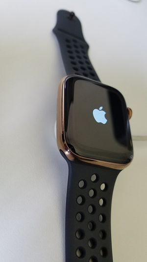 Apple watch series 4 44mm stainless steel gold for Sale in Chula Vista, CA
