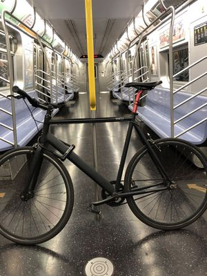 6ku Bicycle urban track bike for Sale in Queens, NY
