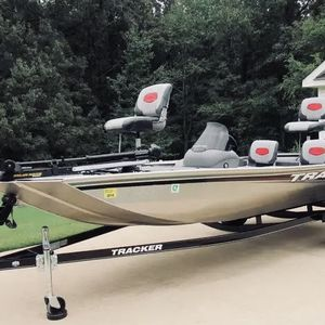 2014 Boat Tracker for Sale in Chicago, IL