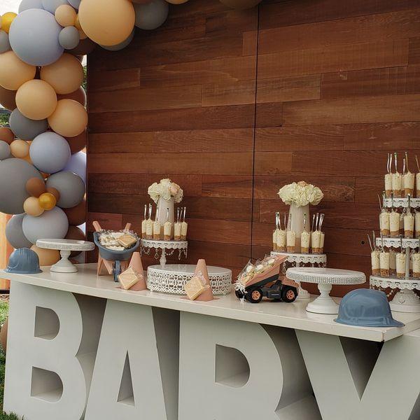 Cake/desert table decor