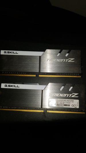 Trident Z DDR4-DDR3200C14D-16GTZSW for Sale in Quincy, IL
