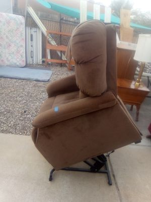 Stand up electric recliner for Sale in Tucson, AZ