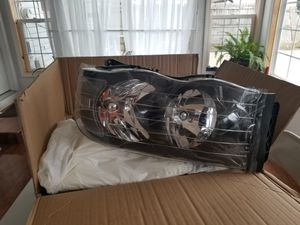 2002 to 2005 ram 1500 HEADLIGHTS for Sale in IL, US