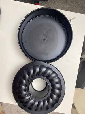 Baking molds for cakes three pieces $5 for Sale in Alexandria, VA