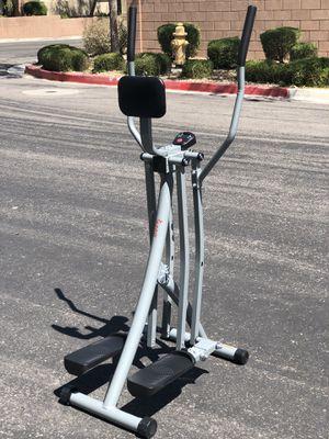 Sunny Health & Fitness SF-E902 Air Walk Trainer Elliptical for Sale in Las Vegas, NV