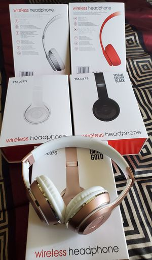 New wireless headphones built in microphone for Sale in Riverside, CA
