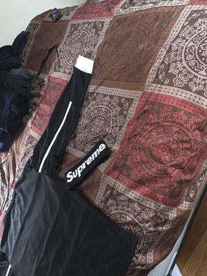Supreme Hockey warmup jersey for Sale in Detroit, MI