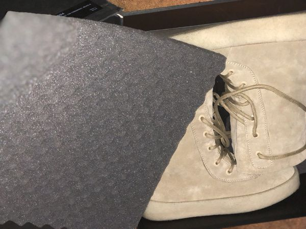69d4e9d81c4 Yeezy season 2 crepe boots size 10 for Sale in Brooklyn