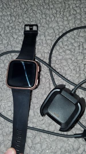 Fitbit versa in great condition 120 obo for Sale in San Antonio, TX