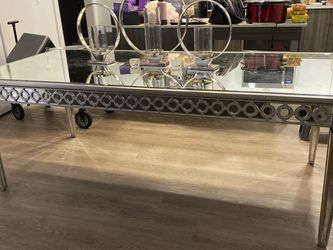 ZGallerie Sophie Mirrored Dinning Table for Sale in Ashburn,  VA