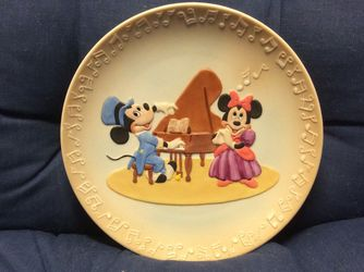 RARE Vintage Mickey And Minnie In Concert Walt Disney World Collectible Plate Decor *See Description* for Sale in University Place,  WA