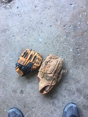 Baseball gloves for Sale in Hampton Township, PA