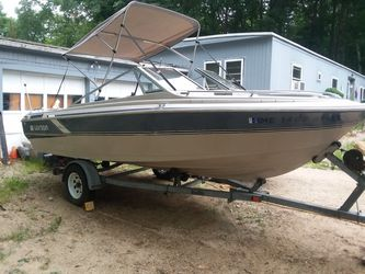 It's a 1986 Larson ski fishing boat runs and goes needs battery asking 2150 or bro for Sale in Rochester,  NH