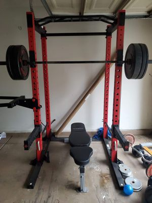 Squat rack with dip attachment, bench and Olympic weight set for Sale in Chula Vista, CA