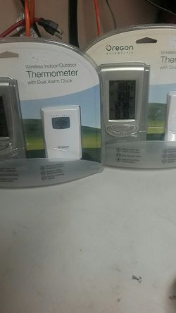 I Wireless indoor thermometer alarm clock for Sale in Lakewood,  WA
