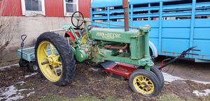John Deere Antique tractor for Sale in Hanover Park, IL
